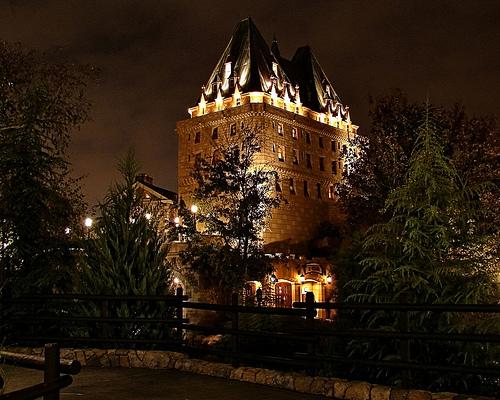 I'm in a piccy kinda mood. restaurant pics? Canada10