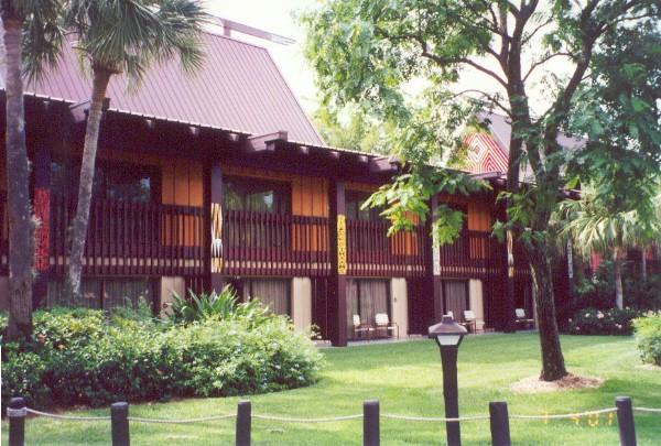 Longhouses Niue210