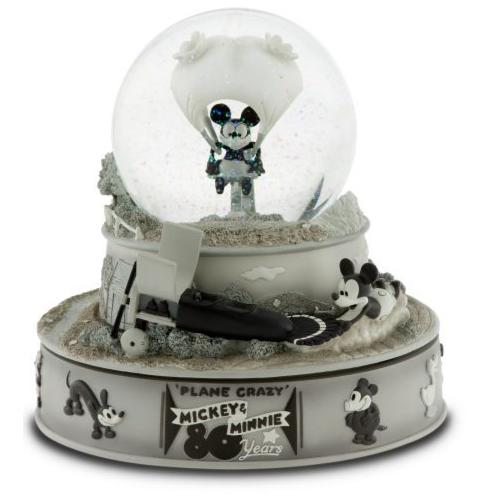 Snowglobes sure are purty.. Snow110