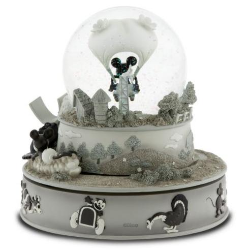 Snowglobes sure are purty.. Snow211