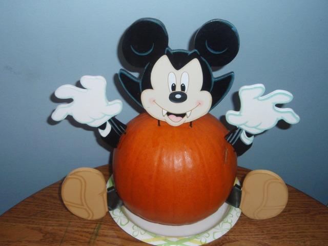 Oogidy boogidy boo! -- Halloween-related stuff goes here. =) Vamp_m10