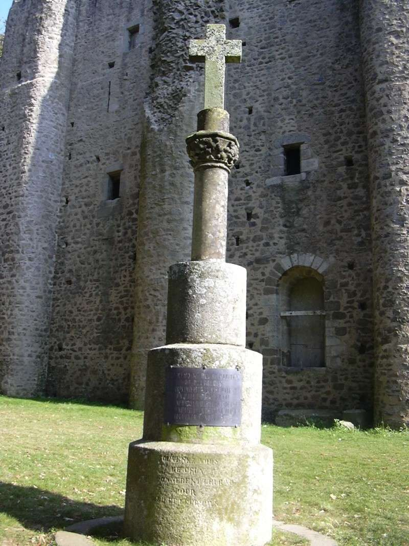 Hommage aux martyrs de la Vendée Croix_10
