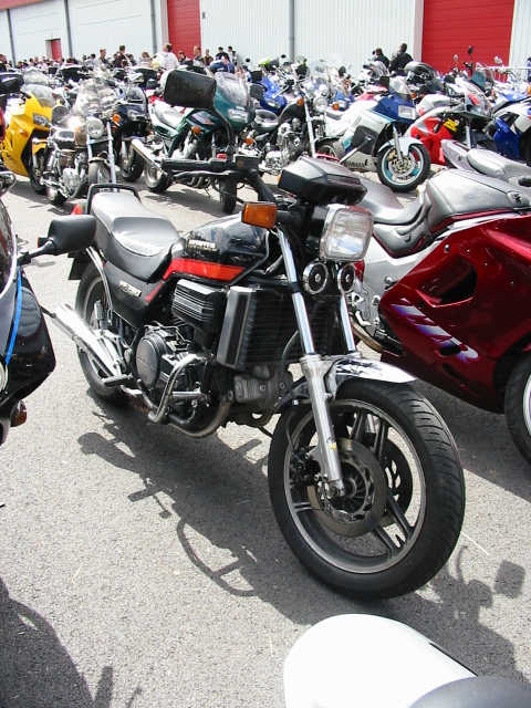 Que prendre comme nouvelle moto après une Deauville 650 ? Vf750s11