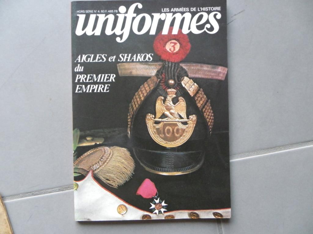gazette Uniformes sur les aigles et Schakos du 1er EMPIRE -ALPINS-NOV3 -vendu - Ga_uni11