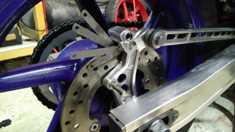 Projet VFR 750 F, 6X, NW6, RK - Page 2 Img_2045