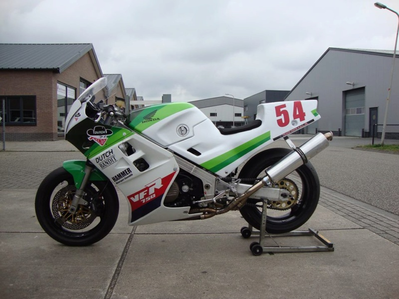 Projet VFR 750 F, 6X, NW6, RK - Page 3 Rc24_b11