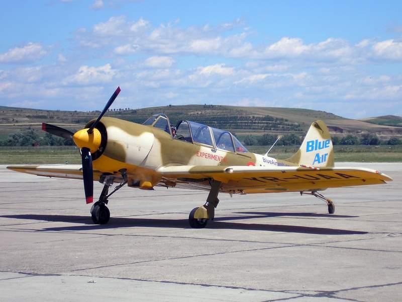 Yak-52TW P7070010