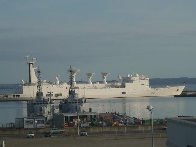 [Les ports militaires de métropole] Port de Brest - TOME 1 - Page 4 Dscn1816
