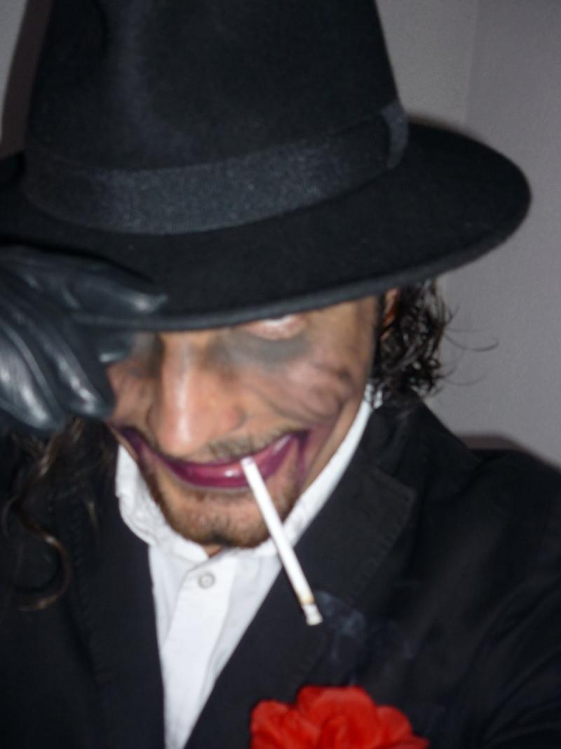 Valentino... gentleman et...autre chose? [[Commentaires]] P1000211