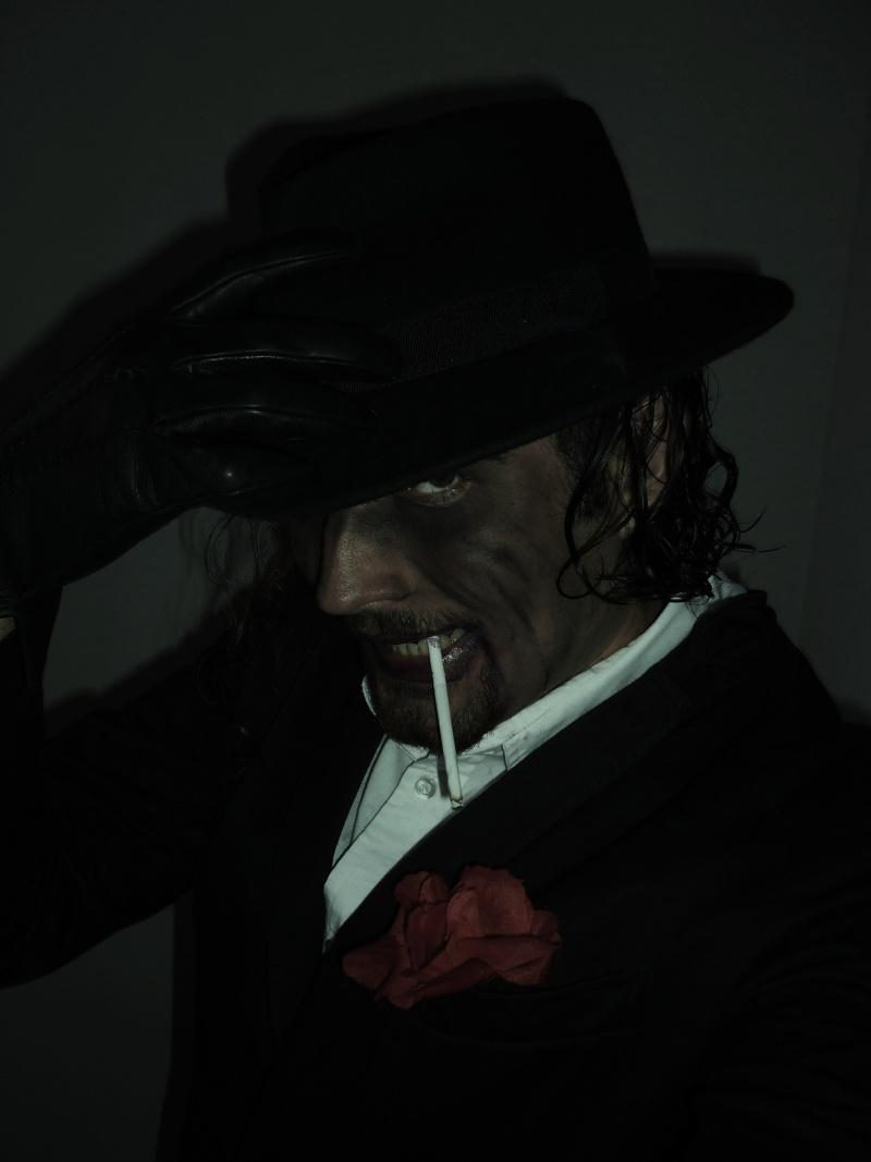 Valentino... gentleman et...autre chose? [[Commentaires]] P1000214