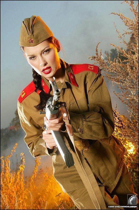 """Le club """" Staline Lenine Poutine et compagnie """" - Page 2 Girls_10"""
