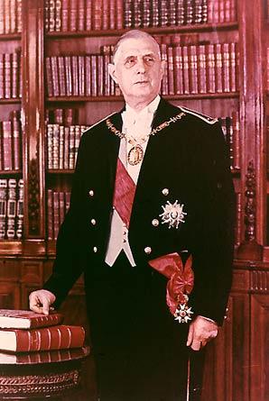 Biographie du Général CHARLES-de-GAULLE . De_gau10