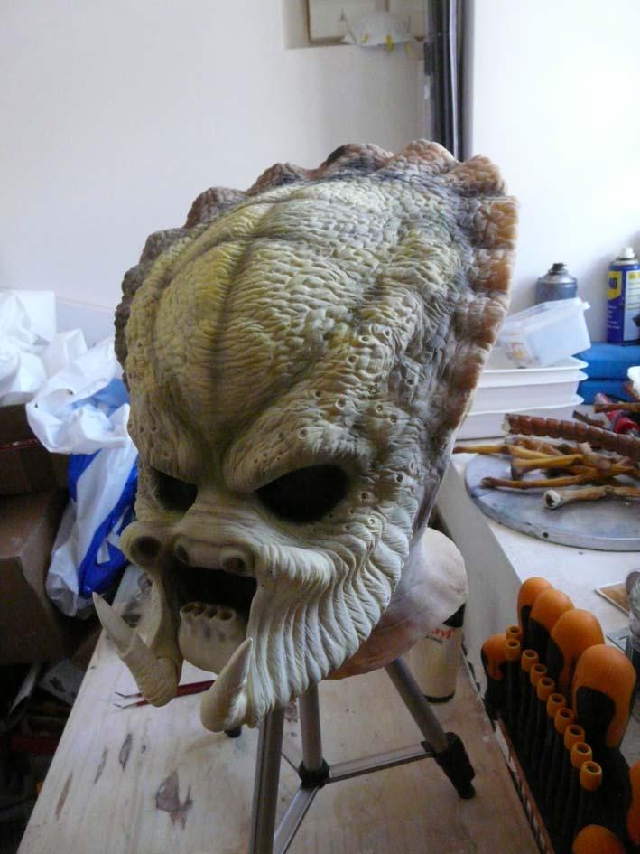 predator life size latex mask P1030417