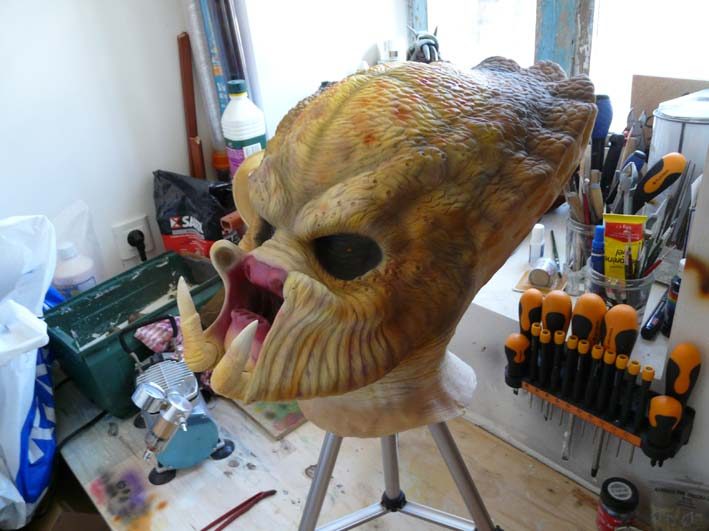predator life size latex mask P1030418