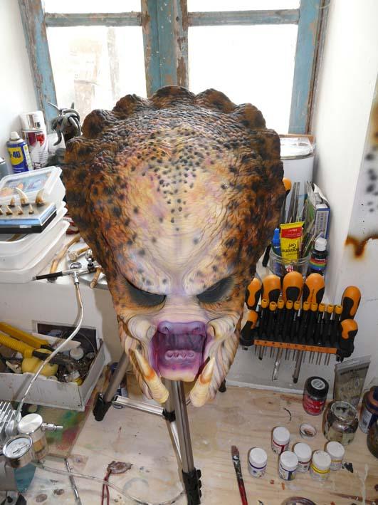 predator life size latex mask P1030420