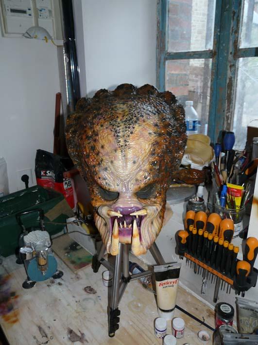 predator life size latex mask P1030421