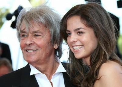 Alain Delon : Sa ravissante fille Anouchka... a un autre homme dans sa vie ! 211