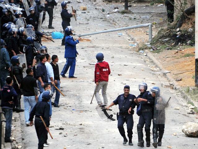 صور الشرطة الجزائرية............... 42-23510