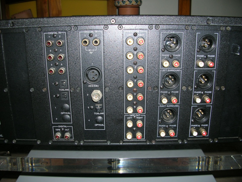 Theta Casablanca II processor/preamp (Used) 1221_010