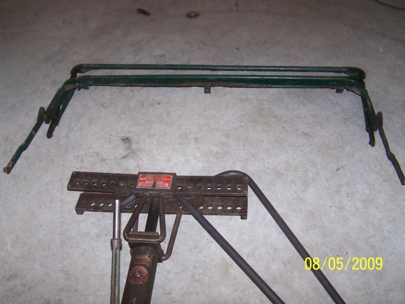 Fabrication des arceaux pour la bâche de toit d'un 411 100_2310