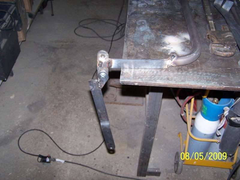 Fabrication des arceaux pour la bâche de toit d'un 411 100_2311
