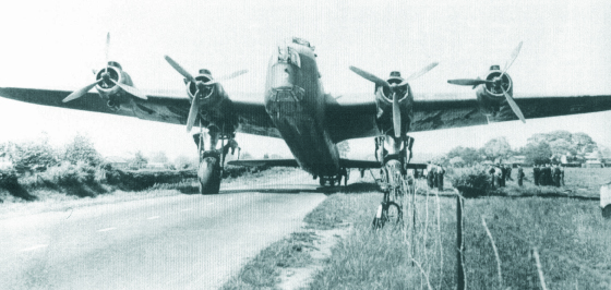 Le Stirling, l'oublié du Bomber Command Stirli13
