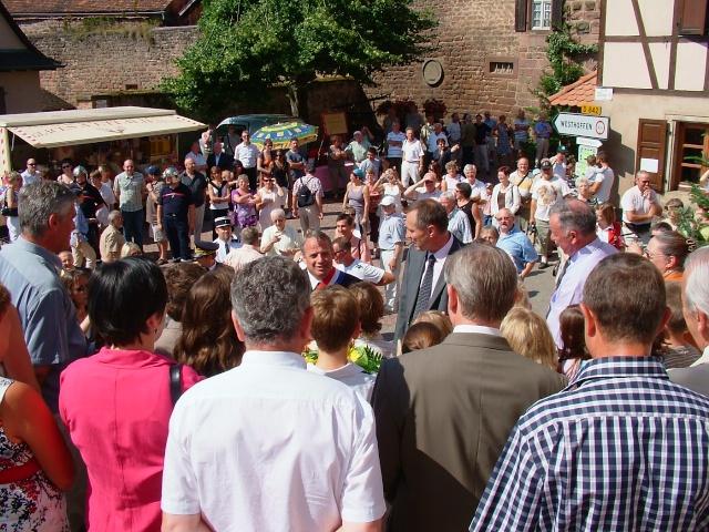Jean-Marie et Marie-Odile Bockel à la fête de la fontaine de Wangen le 5 juillet 2009 Dscf3412