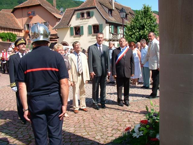 Jean-Marie et Marie-Odile Bockel à la fête de la fontaine de Wangen le 5 juillet 2009 Dscf3510