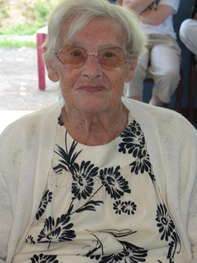 Madame Joséphine Zores a fêté ses cent ans  le 6 septembre 2009 Img_1810
