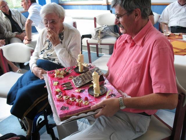 Madame Joséphine Zores a fêté ses cent ans  le 6 septembre 2009 Img_1812