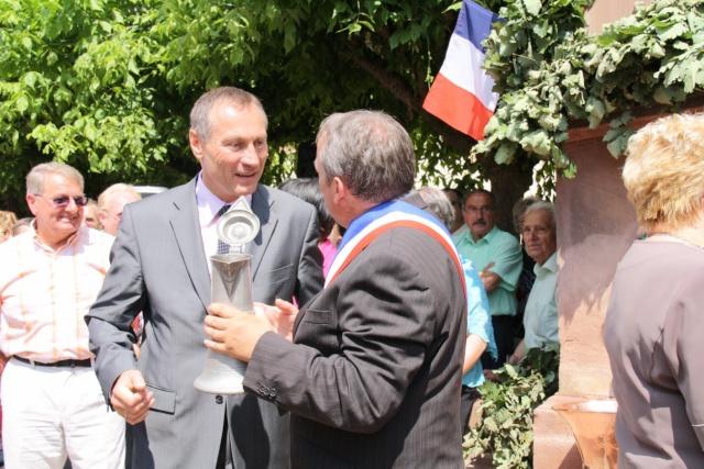Jean-Marie et Marie-Odile Bockel à la fête de la fontaine de Wangen le 5 juillet 2009 Jm_boc48
