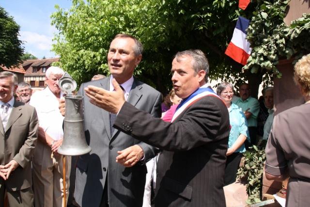Jean-Marie et Marie-Odile Bockel à la fête de la fontaine de Wangen le 5 juillet 2009 Jm_boc49