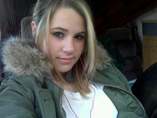 How do I look? [good pics] L_622e11
