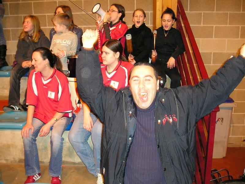 Supporters lors de l' aprés midi basket du 8 mars 2009 P1010015