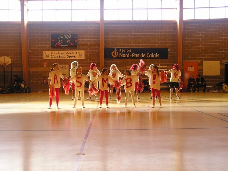 Supporters lors de l' aprés midi basket du 8 mars 2009 P1010020