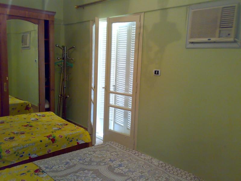 شقة سوبر لوكس مكيفة للإيجار مفروش تطل علي  شارع النصر قريبة من حدائق المنتزة - المعمورة  Ouoouo74