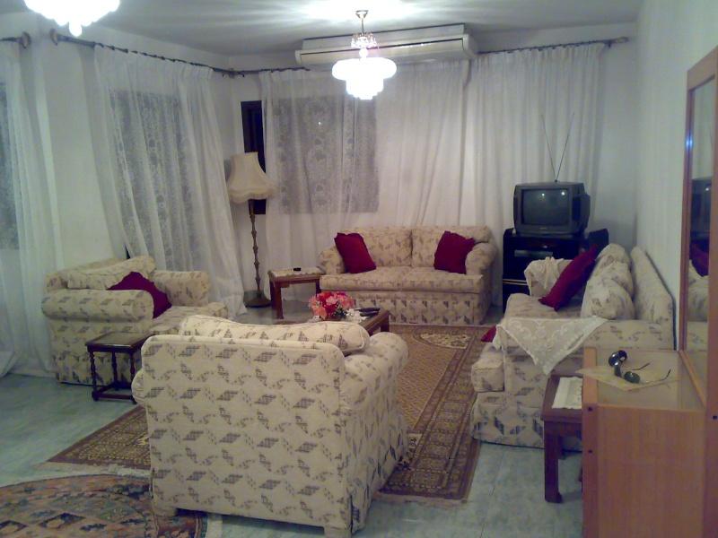 شقة للإيجار مستوي فندقي تشطيب سوبرر لوكس 4 تكيف المجموعة 11 - المعمورة الشاطيء  Ououou84