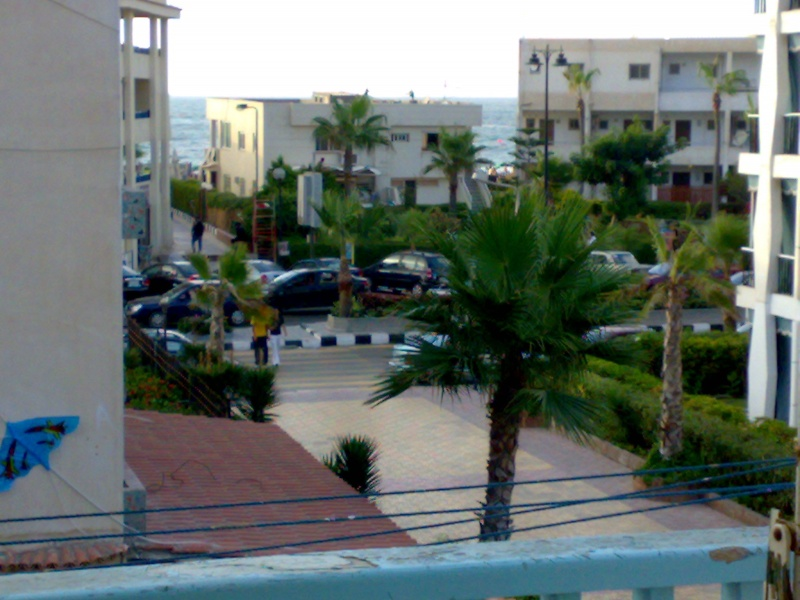 شقة لإيجارمفروش بالمعمورة ثلاث غرف وصالة بالسوق التجاري تري البحر للحجز 01012412542  Uuoo_o12