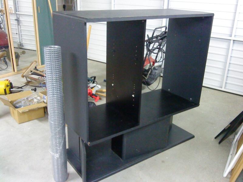 Transformation d'un meuble télé en cage! Dsc00010