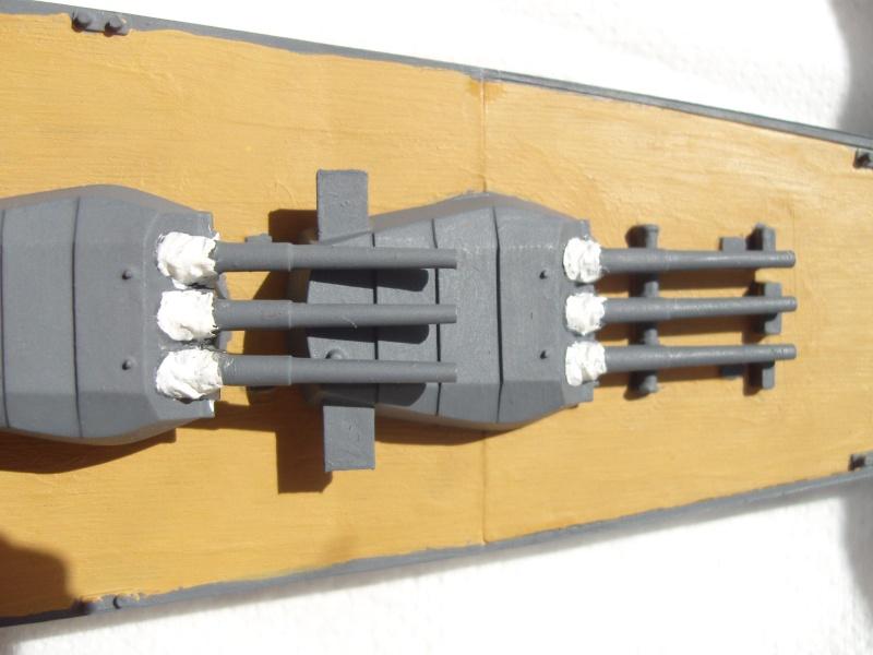 Yamato (Tamiya 1/700°) par yoon - Page 3 Sdc11214