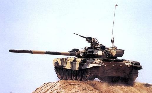 تسليم 86 دبابة t-90s للجزائر في 2012 T-90s10
