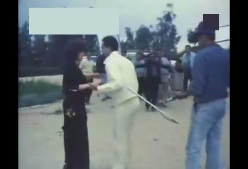 فلم مذبحة الشرفاء عام 1992! Ouoo_o13