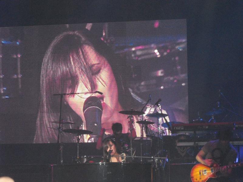 14 Juin 2009 :: Au Zenith De Paris :: 1ere Partie Du Concert Des JB Dscn0712