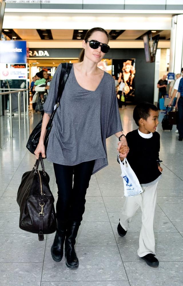 7/24/09 Angelina and Maddox Heathrow Airport 00510