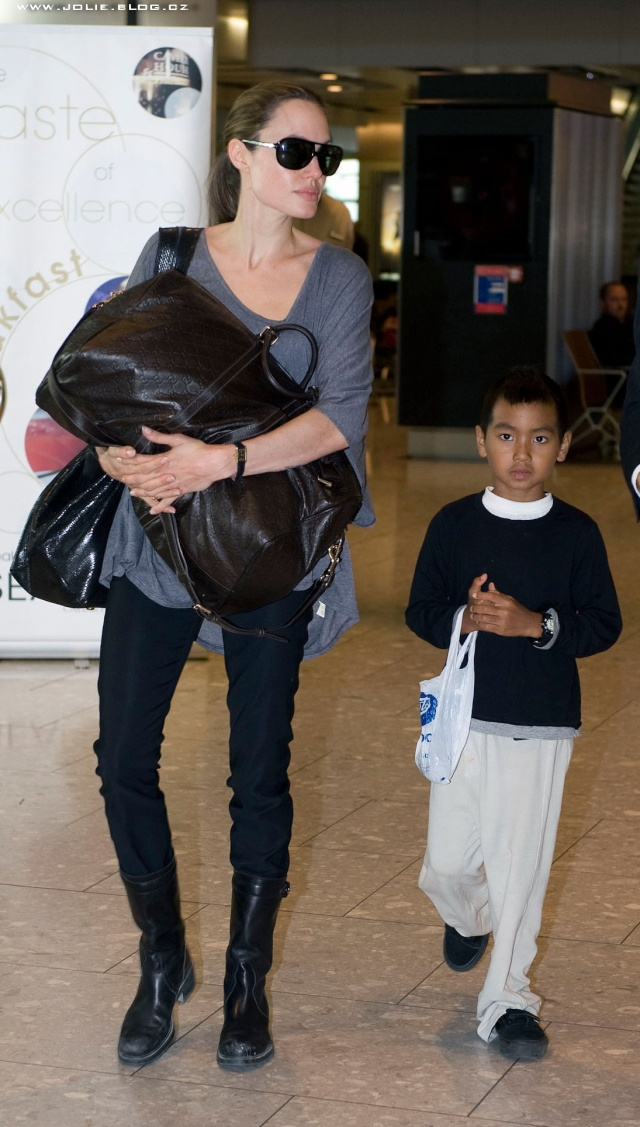7/24/09 Angelina and Maddox Heathrow Airport 00612