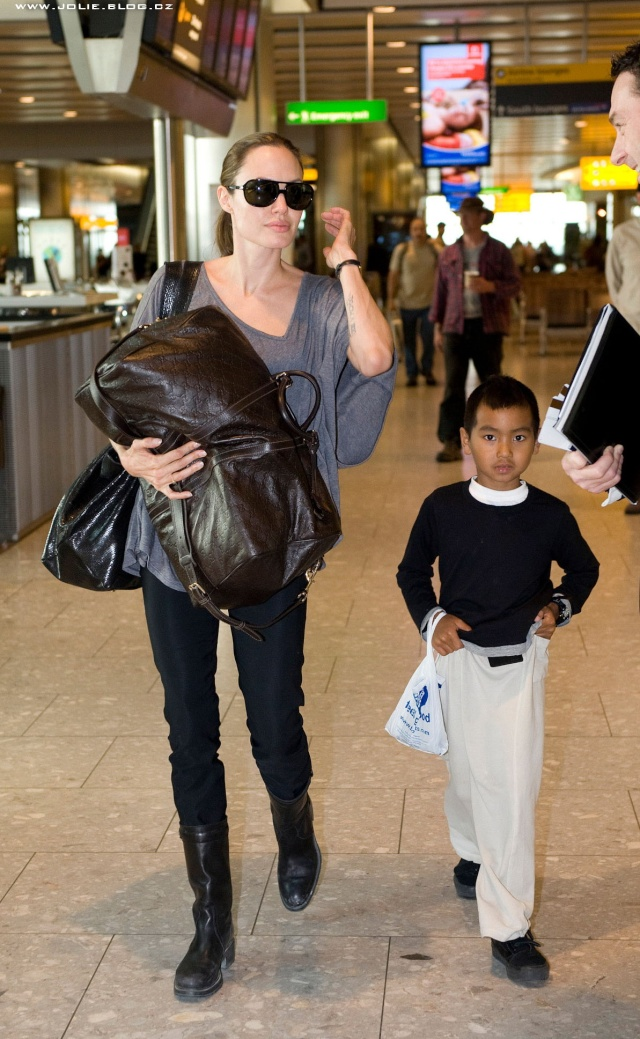 7/24/09 Angelina and Maddox Heathrow Airport 00814