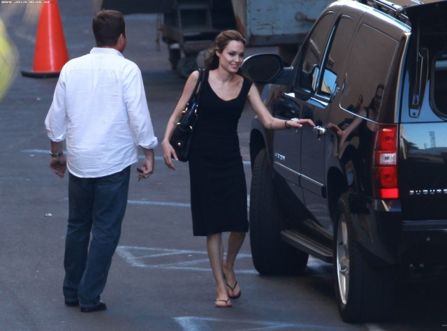 Brad and Angelina Movie Premieres  - Page 3 01411