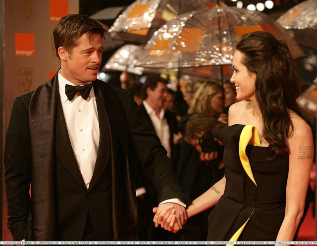 Brad and Angelina Movie Premieres  - Page 5 02111