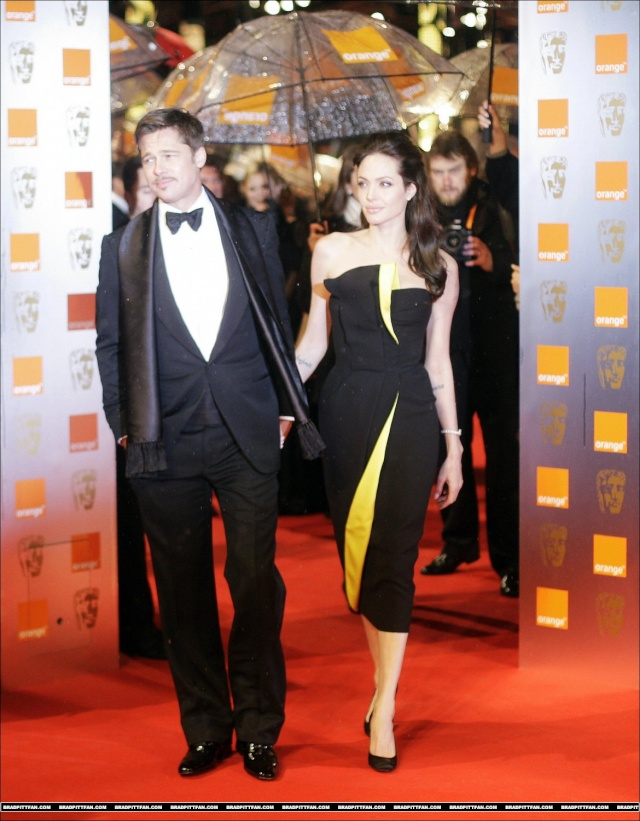 Brad and Angelina Movie Premieres  - Page 5 0_282610