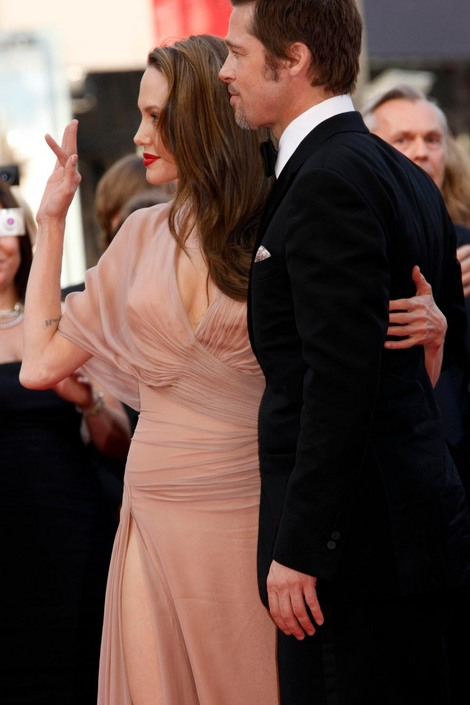 Brad and Angelina Movie Premieres  - Page 2 15110